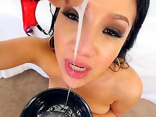 Asian skank sucks schlong