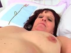 brit milf Beau Diamonds inserts her fanny with a faux-cock