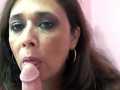 bodacious cougar Alesia pleasure licks balls and sucks dick