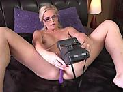 Scarlett Satori first time trying Cowgirl Machine
