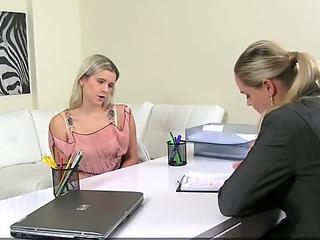 Novinha do anal se masturbando na webcam