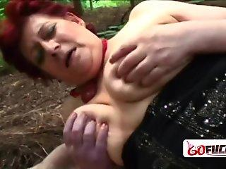 Real amateur couple screw in woods