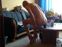 Streaming porn RachelSexyMaid gets a naked pounding from Fuck Machine in the Manchester Dungeon