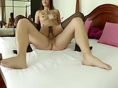 Free streaming porn Gorgeous wet crack and feet used