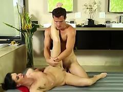 Wam cougar masseuse fucks