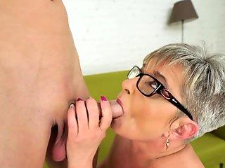 Pussy opens up to accept huge dildo (reverse video)
