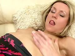Hot houswife in stockings closeup masturbation
