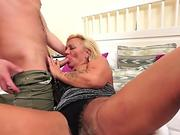 RIM4K. Elegant wife in sexy lingerie gives her spouse anilingus