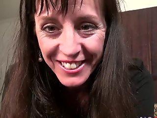 BANGBROS - mummy mom Chanel Preston humps Daughter's Boyfriend