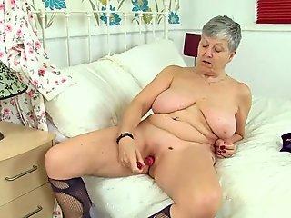 English grannies Savana and Zadi love a good dildo fuck