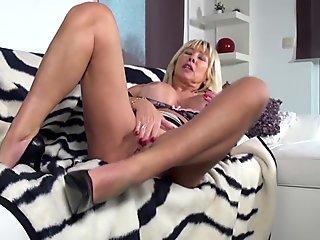 Emo brunette flashing her tits