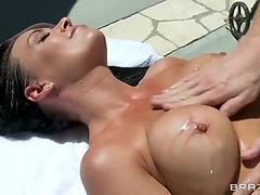 Sexy Vanilla DeVille gets lotion rubbed into her butt