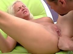 Fuck buddies go in deep for a spunk off