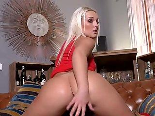 Horny czech girl stretches her spread slit to the strange