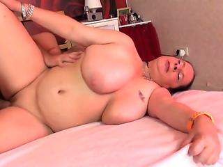 Petite chubby mature mom screwed by fortunate sonnie