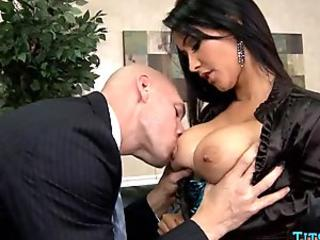 Police Girl Vina Sky Eats Pussy To Cope With Rough Day