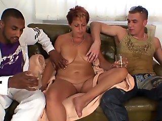 Sexy Carolyn Reese and friends having a hardcore groupsex in the classroom