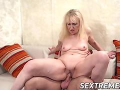 Thick Wife in Glasses Ridesbig dick for climax. Real Homemade couple bangs.