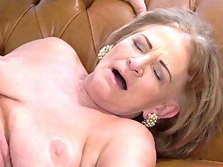 xhamster.com_7751413_scared_guest_comes_on_to_hostess