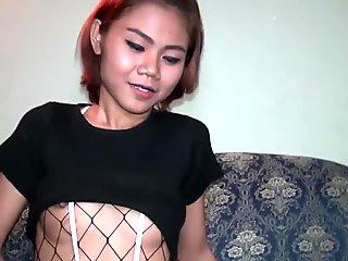 Nympho Lisa's poon tang stretched wide