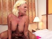 Leigh Raven and Nikki Hearts Have a BBC Threesome
