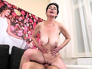 Hot tiny titted slut Ashley Blue deepthroating a big fat stiff