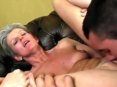 Tattooed slut Satin Bloom gets her deep mouth digged by a long cock