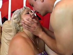 TS Jessy Dubai ass fucked babe Mikky