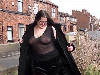 Chubby amateur flashing and bbw public masturbatio