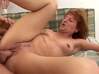 18 yo beauty skinny girl masturbating on the floor