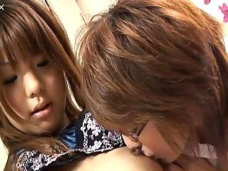 Cocoa and Yuu Amamiya pleasing and teasing each other in the locker room