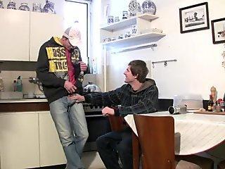 Euro amateurs sucking and jizzing on camera