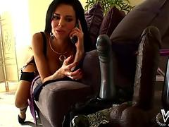 WCP Club Veronica Avluv likes a yam-sized big black cock